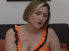 Real mature mom with amazing big ass and tits